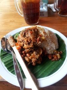 Nasi ayam Ibu Mangku Kedewatan